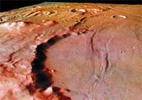 Mars Express capta imagen de un cráter gigantesco