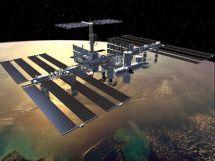 Estudian manchas en casco de la ISS
